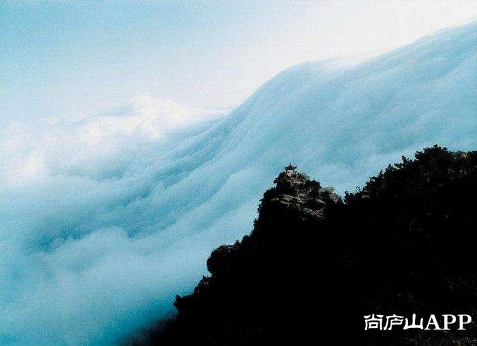 廬山再遇壯觀奇景:瀑布云