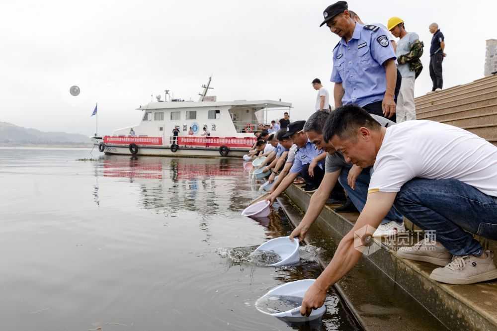 江西庐山市:增殖放流